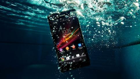 Xperia-underwater
