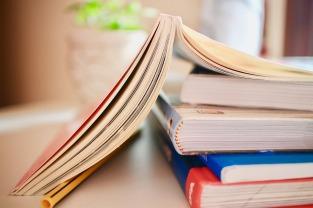 books-2012936_1280